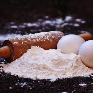 farine et oeufs pour la génoise
